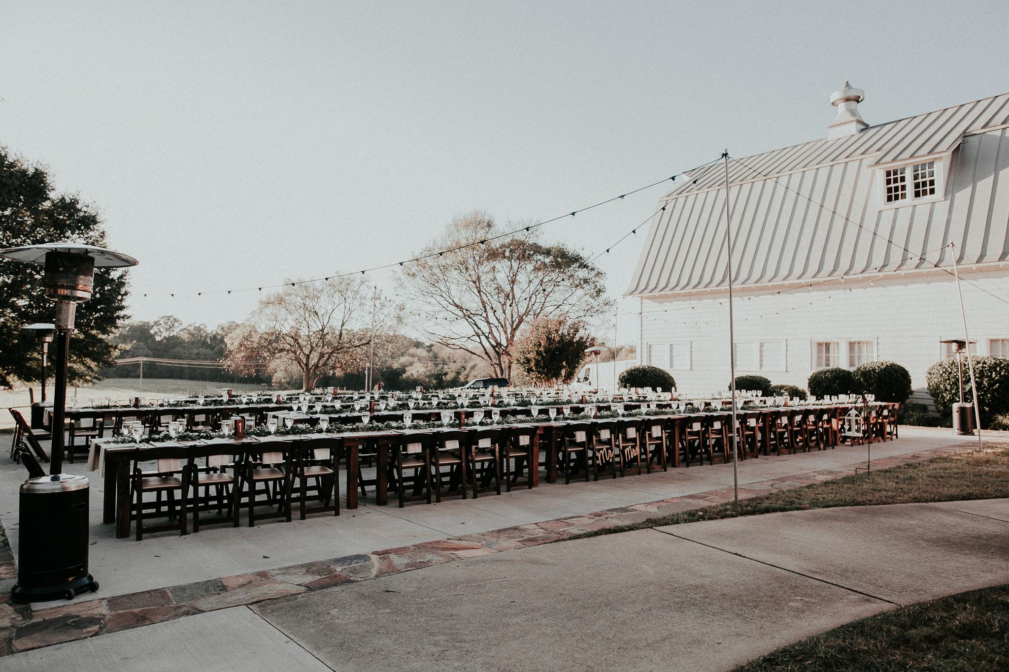 Weddings-at-Dairy-Barn