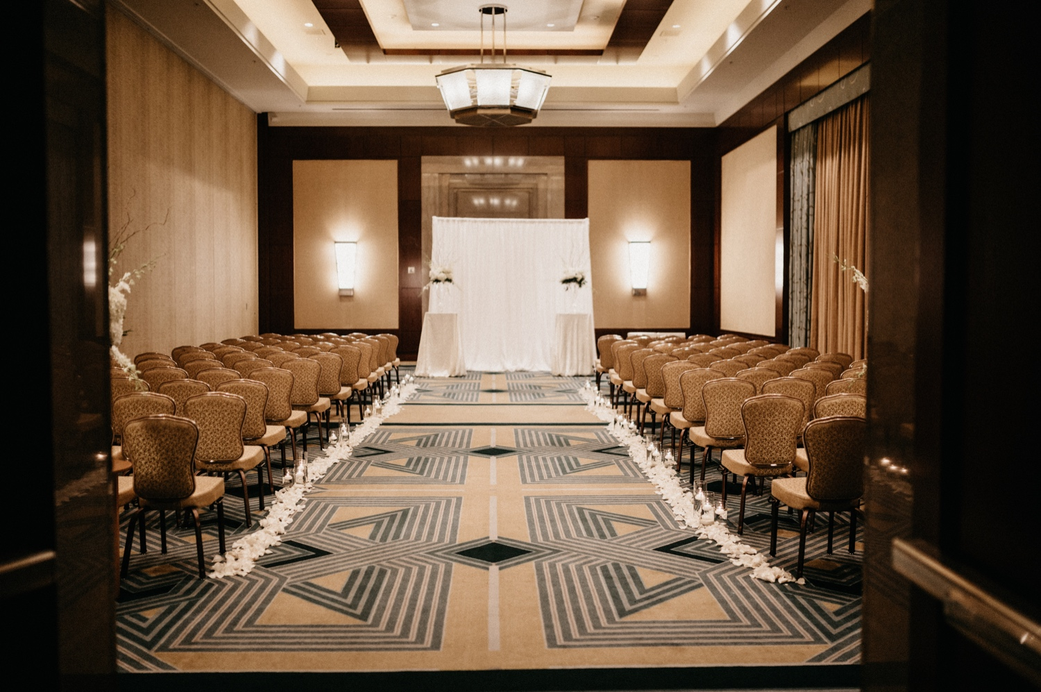 23_Ritz-carlton-wedding_charlotteNC_charlotteweddingphotographer.jpg