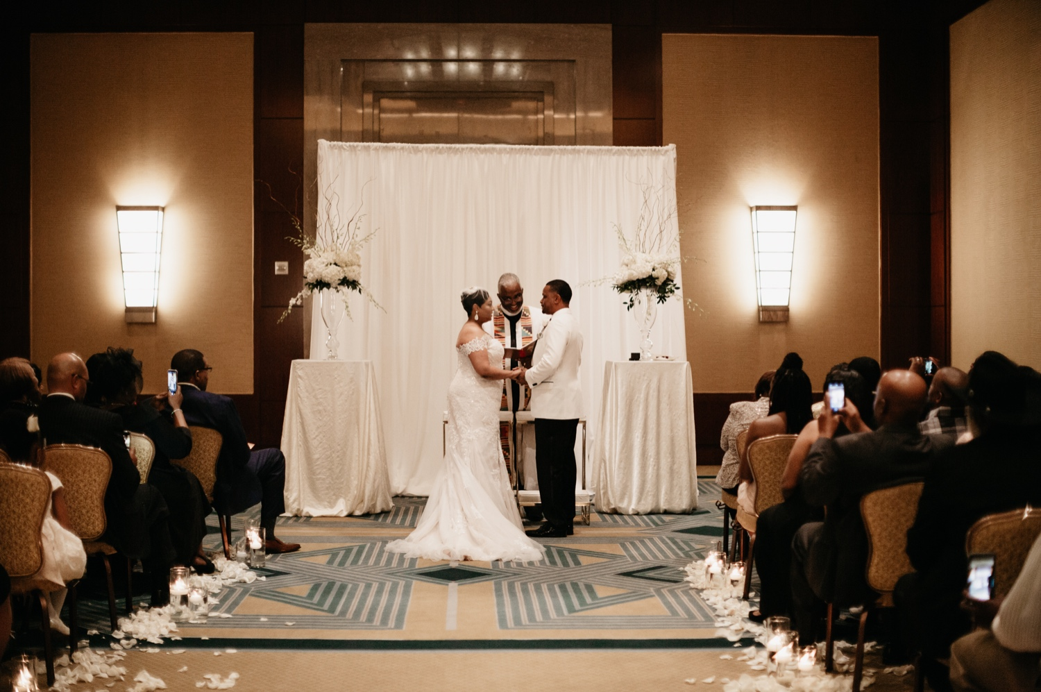 35_Ritz-carlton-wedding_charlotteNC_charlotteweddingphotographer.jpg