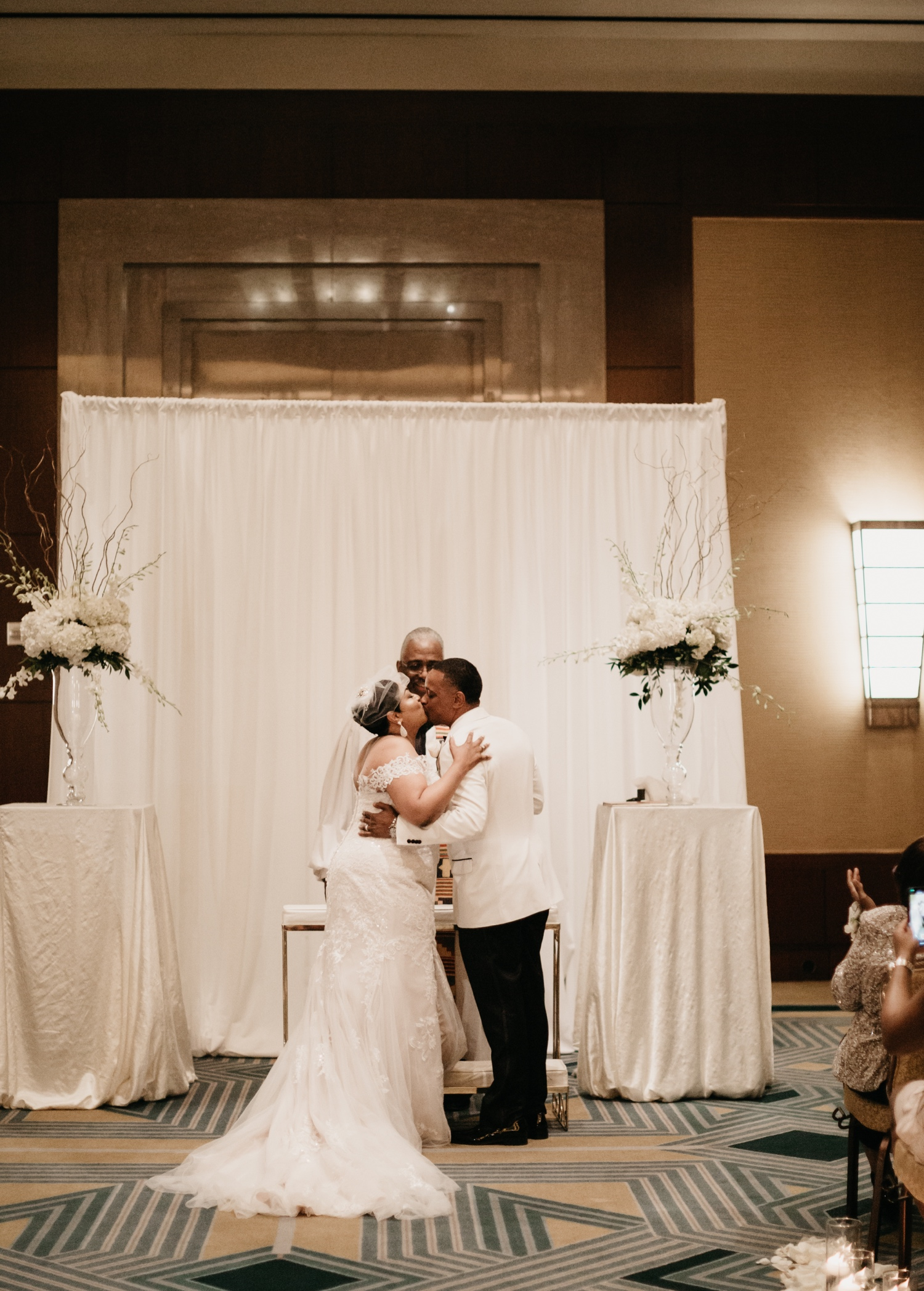 37_Ritz-carlton-wedding_charlotteNC_charlotteweddingphotographer.jpg