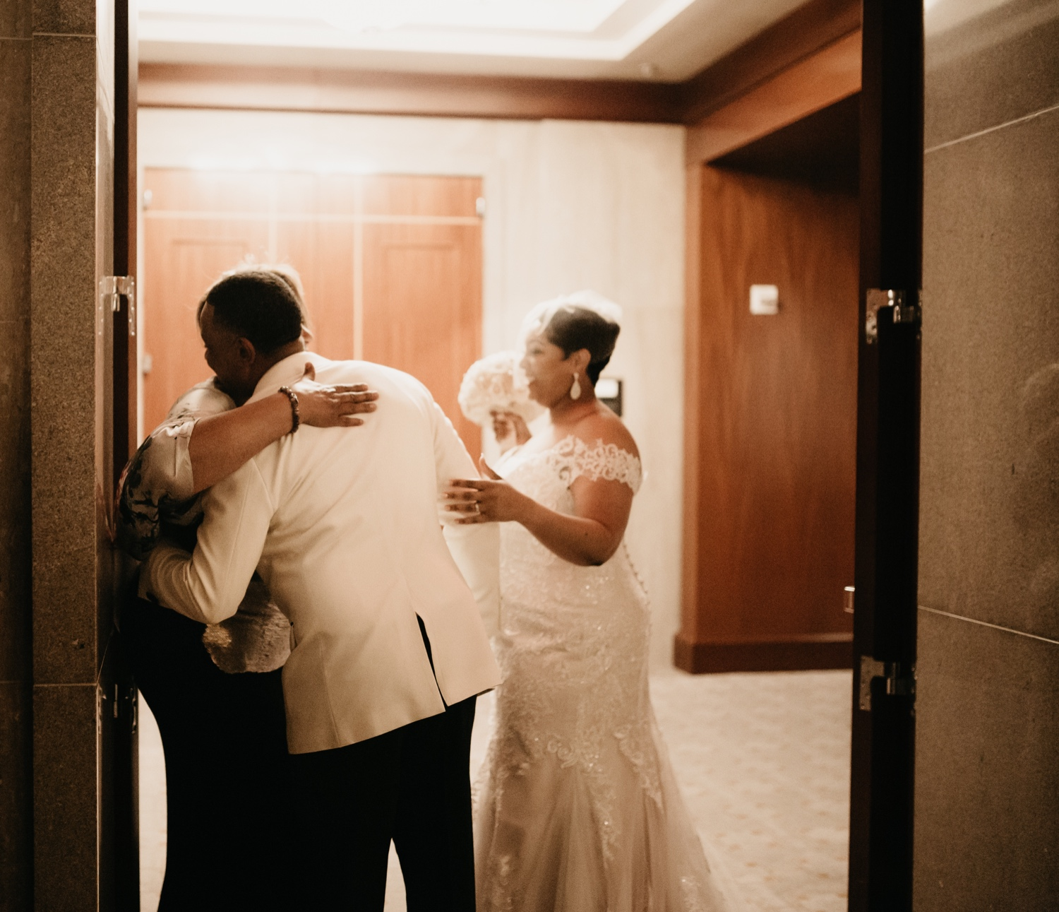 44_Ritz-carlton-wedding_charlotteNC_charlotteweddingphotographer.jpg