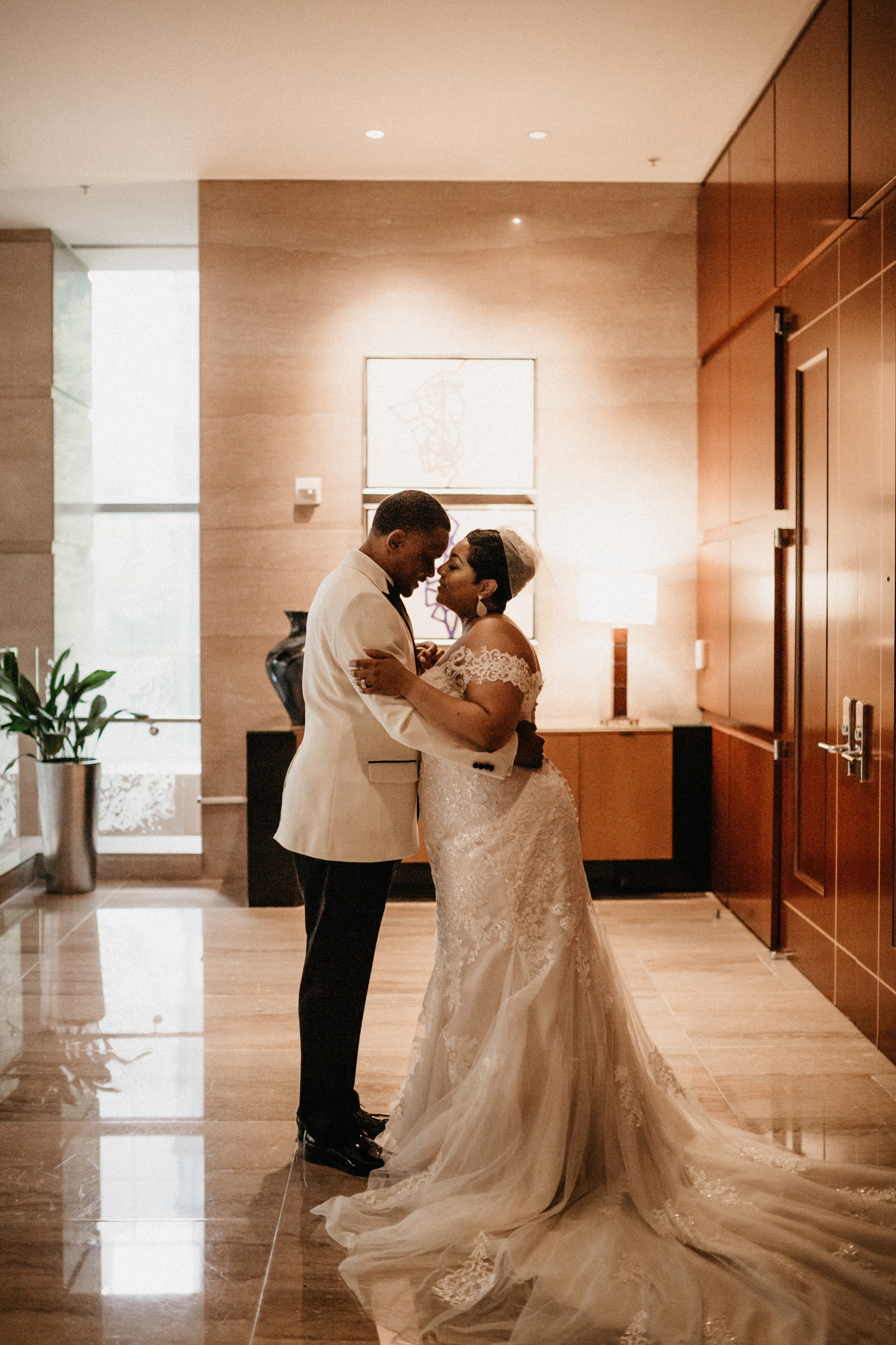 46_Ritz-carlton-wedding_charlotteNC_charlotteweddingphotographer.jpg