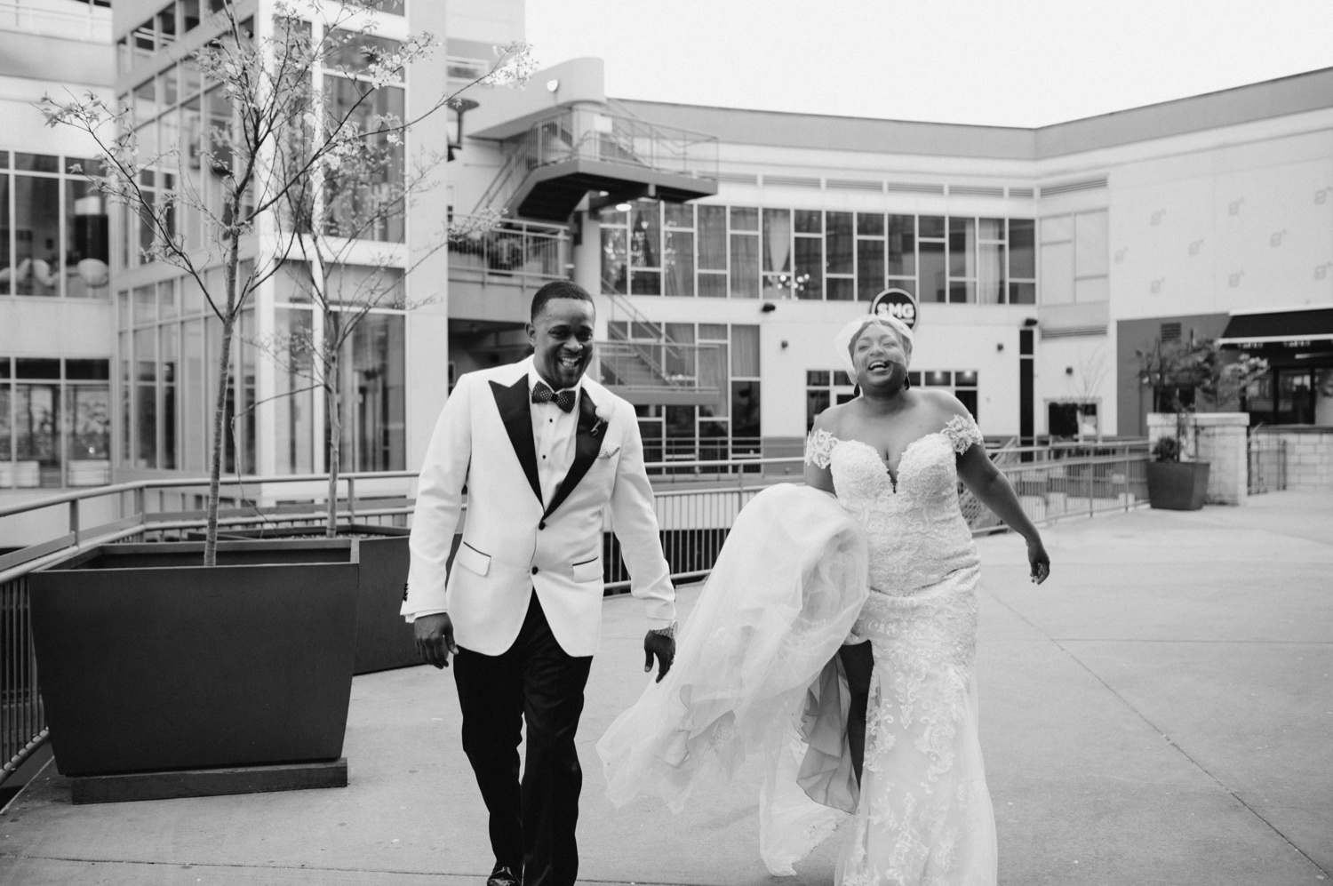 53_Ritz-carlton-wedding_charlotteNC_charlotteweddingphotographer.jpg