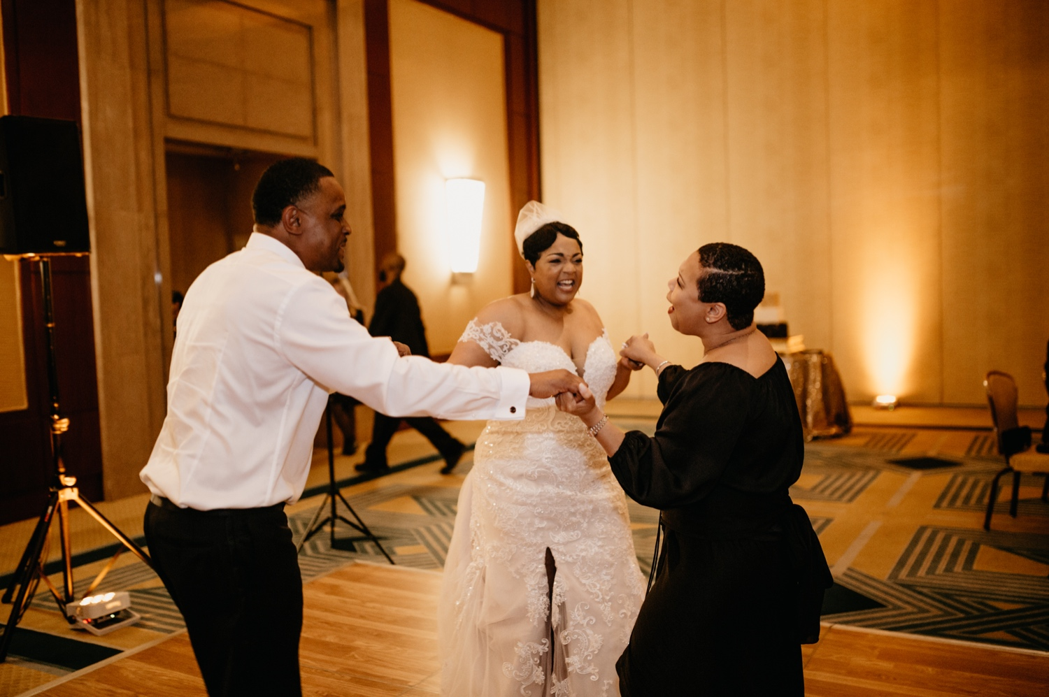70_Ritz-carlton-wedding_charlotteNC_charlotteweddingphotographer.jpg