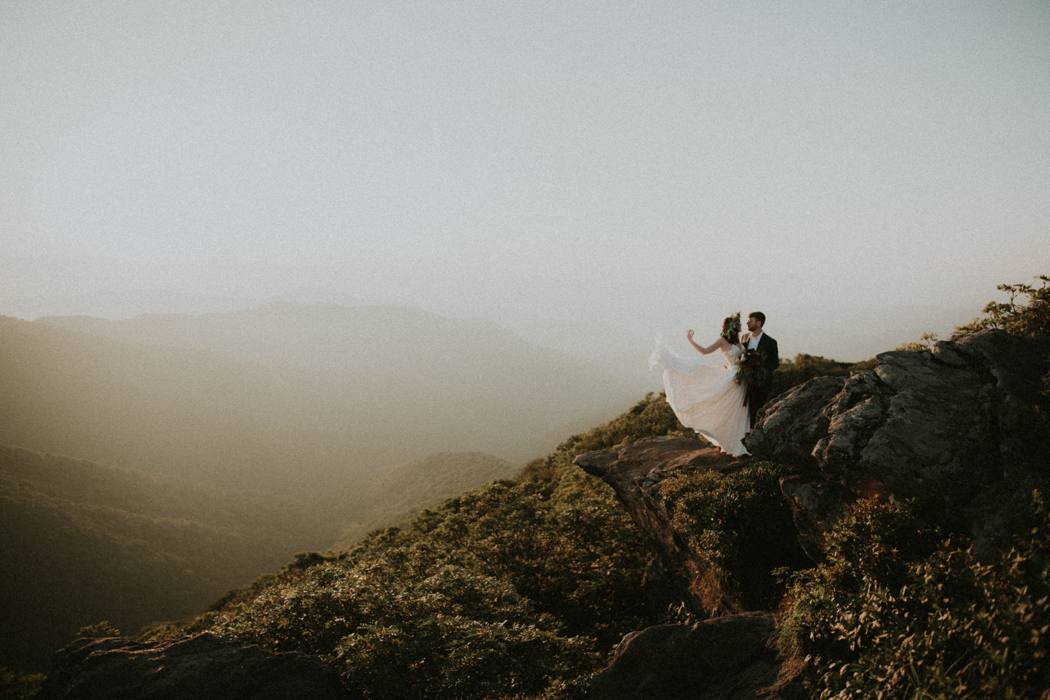 craggy-gardens-elopement-asheville-wedding-photographer.jpg