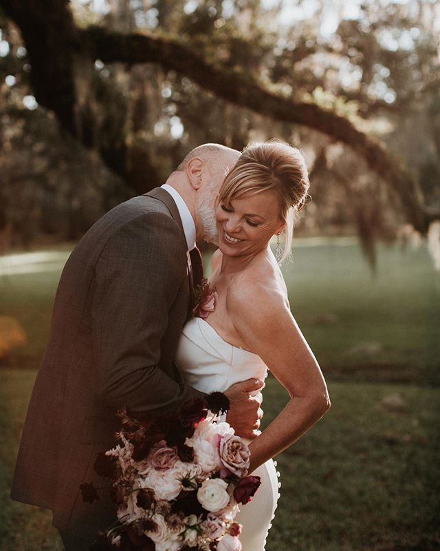 You guys, Pinterest is hard. It's so time consuming and so hard to do most of the time but man it pays off when it is done! Been pinning my most favorite wedding ever from @magnoliaplantationweddings  and I wish I could relive this day.
