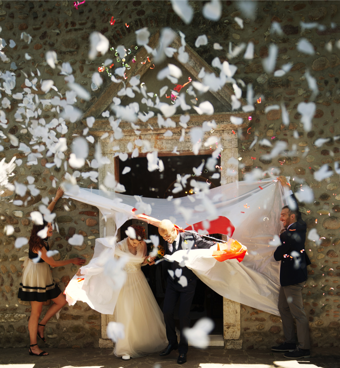 confetti-wedding-exit-ideas_3.jpg