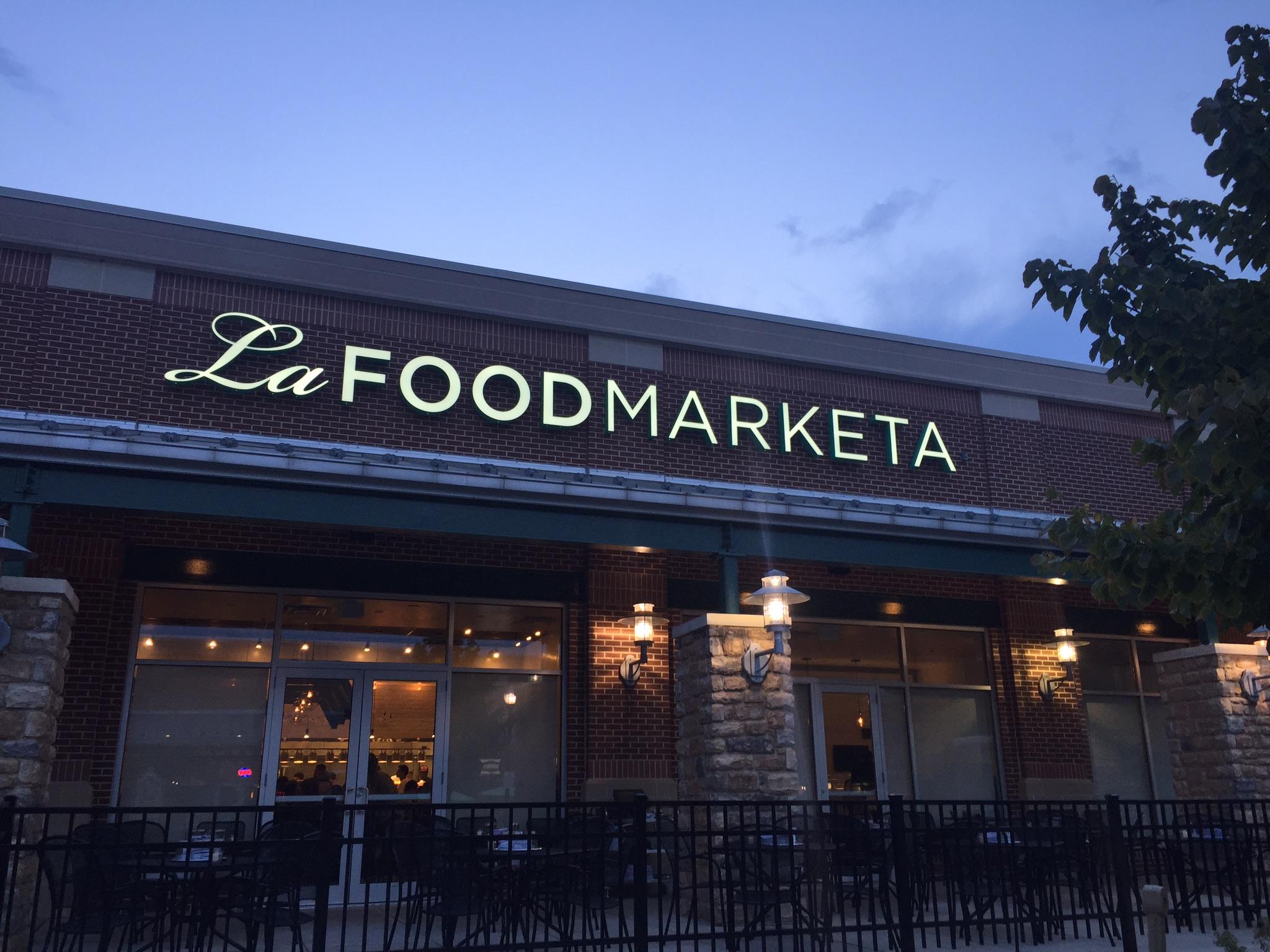 La Food Marketa: Outdoor Signage