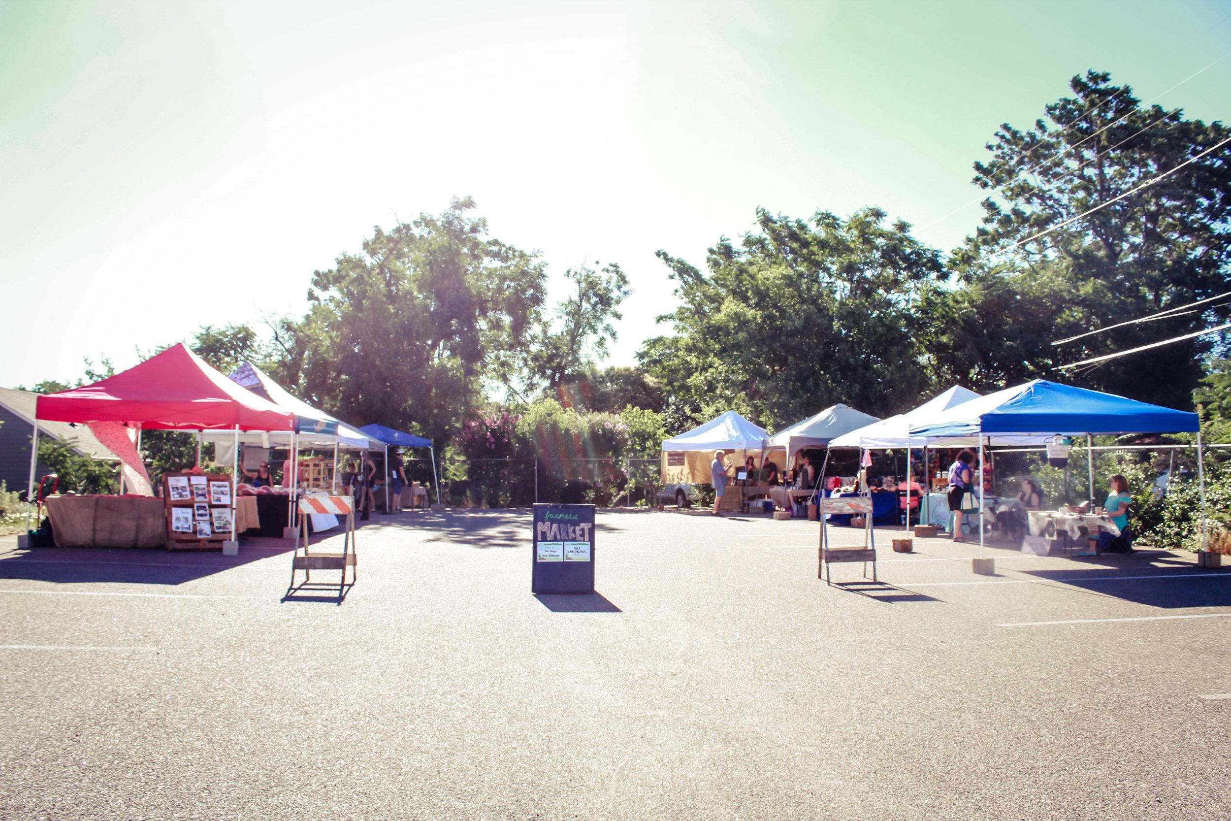 Photo of the Shasta Lake Farmers Market earlier in the season!
