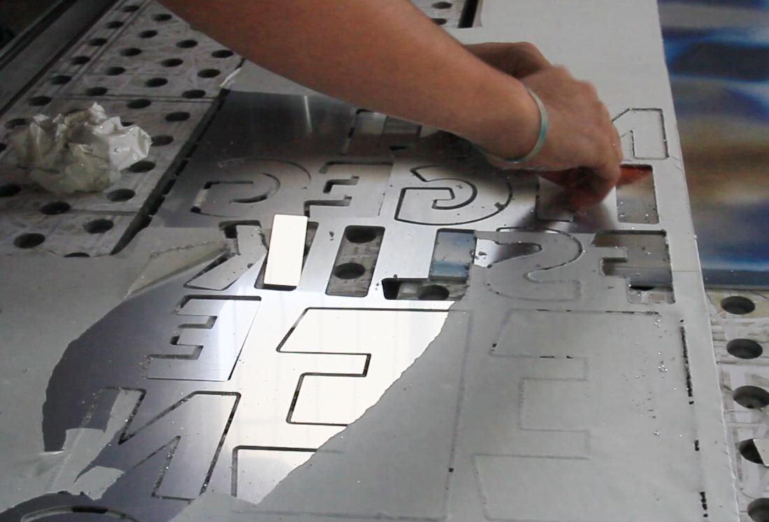 swarovski-typography-by-camilo-rojas 2_o_o.jpg