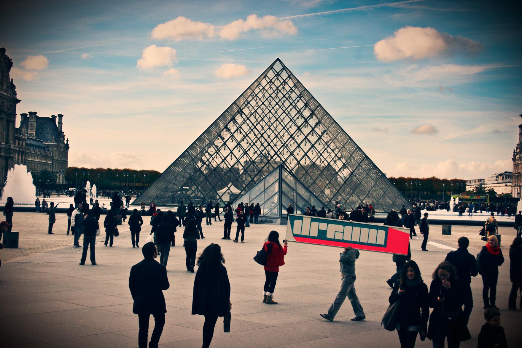 Pyramide du Louvre_dream_Paris_by_camilo_rojas_paris (10)_o.jpg