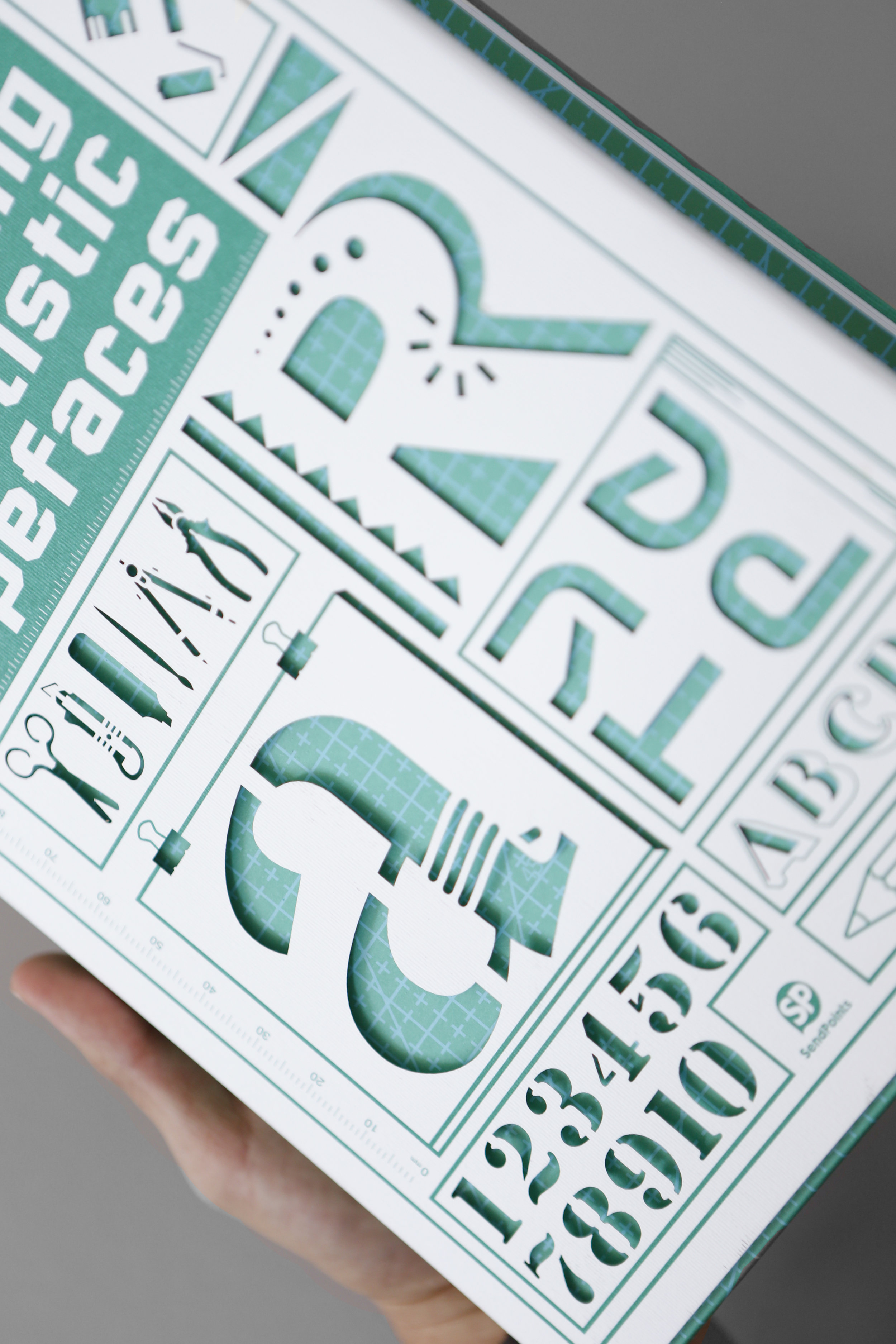 the-making-of-artistic-typeface (3).jpg