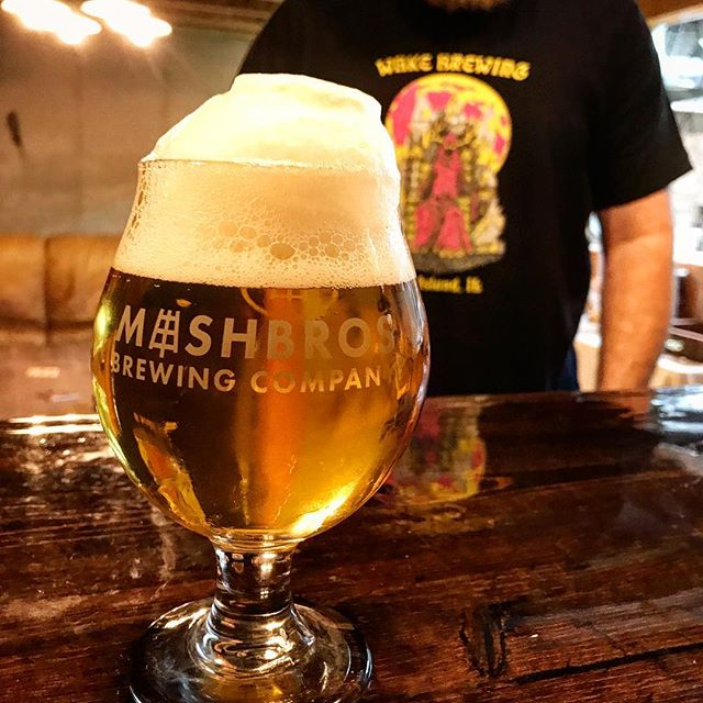 Slow, slow pours of Loralite. That head though 🤯 oh, hey @wakebrewing 👋 . . . #mashbros #mashtastic #mashbrosbeer #beer #craftbeer #iowabeer #instabeer #iowa #beerstagram #northliberty #cedarrapids #iowacity #local #drinklocal #lager #loralite #slowpour