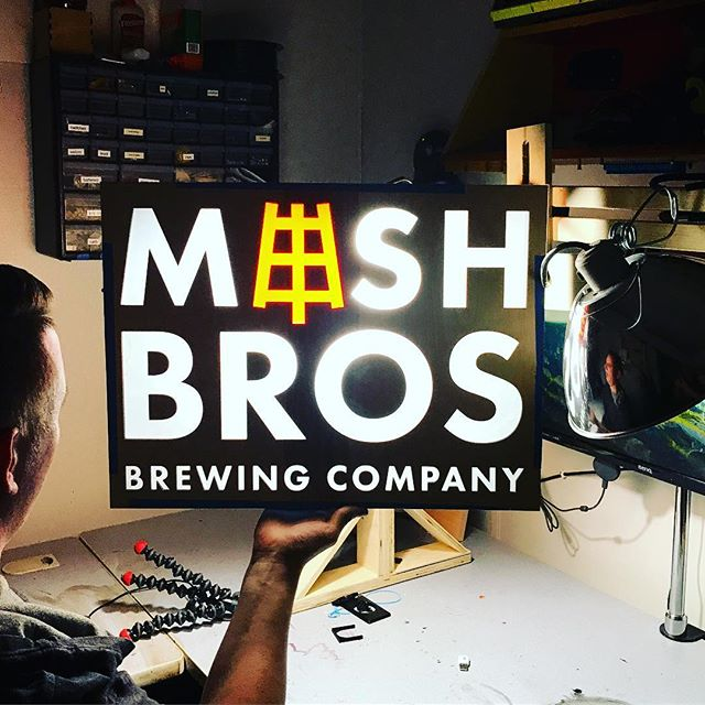 Had fun today working with @weeklycrafted on some signage... it's lit 🙄 . . . #mashbros #mashtastic #mashbrosbeer #beer #craftbeer #iowabeer #instabeer #iowa #northliberty #cedarrapids #iowacity #local #drinklocal