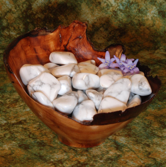 MoonriseCrystal on Etsy has such gorgeous pieces of Howlite!