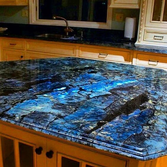 Labradorite countertops as seen on @ sapphiresoul_ad on instagram. Making a mental note for my future house.