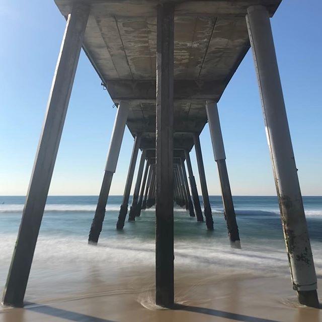The sun is back after a week of rain!  #hermosabeach #hermosa #hermosapier #southbay #beach #pier #lowtide #losangeles #la #pacificocean #sunshine #sand #underthepier #pieravenue #longexposure
