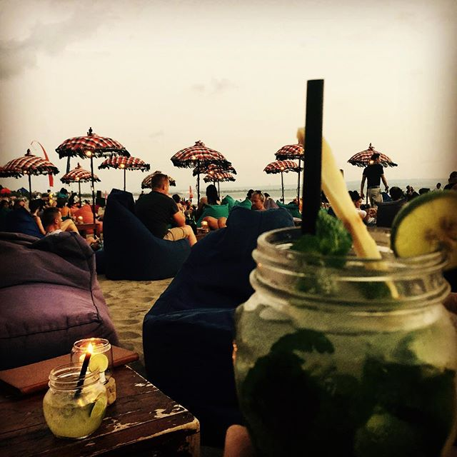 Sunset cocktails. Who's a fan? #beach #beachside #bali #cocktails #blendedmobilejuicebar #cocktailbar #events #workingholiday #rum #mojito #paradise