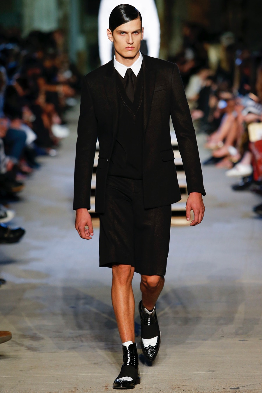 Givenchy-Spring-Summer-2016-Menswear-Collection-New-York-Fashion-Week-008.jpg