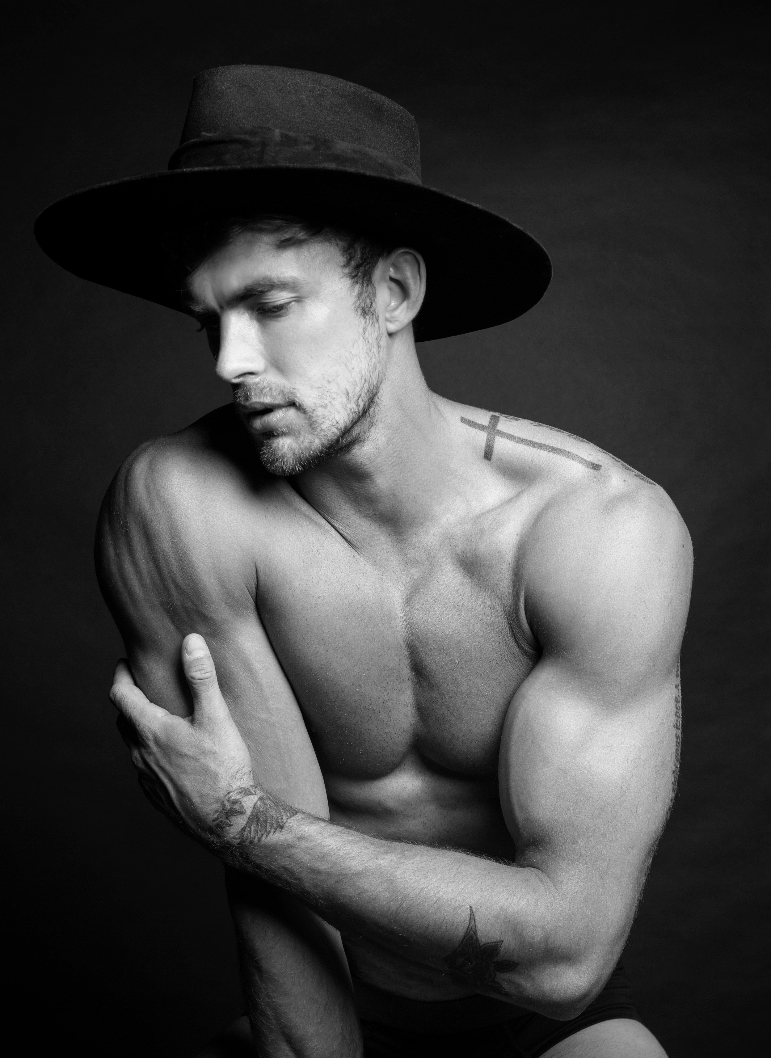 Christian-Hogue-by-Ruben-Tomas-for-The-Perfect-Man-Magazine_10.jpg