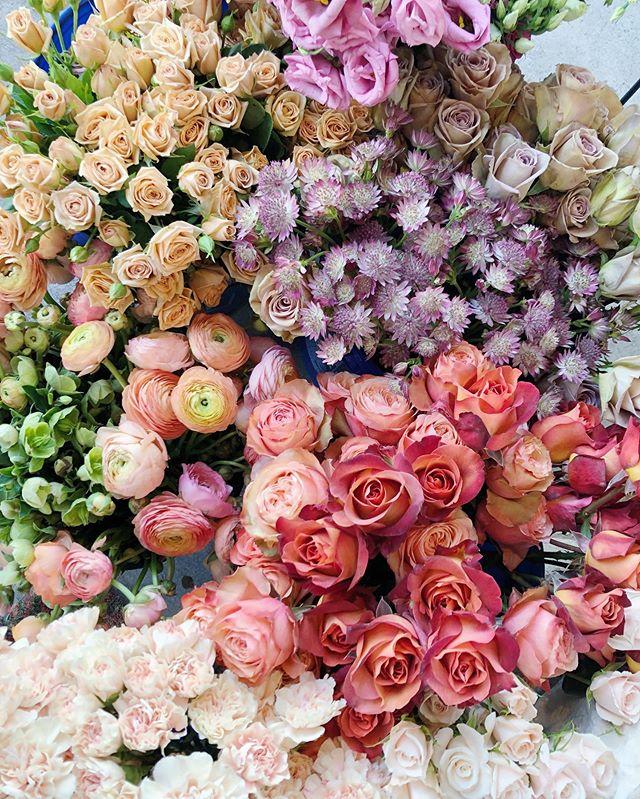 Weekend Magic. ✨ Kaitie & Matt, we are coming for ya!  #jubileeflowerco #jubileesocialclub #dallasweddingflorist #dallasweddings #weddingfloralinspirtion #bridalbouquet #fineartflowers #ihavethisthingwithflowers #peonyforpresident #dallastexas #oakcliff #bishoparts #moodforfloral #flowerstagram #abmlifeiscolorful  #createandcultivate #teamflower #flowermagic #bloomdallas #petalperfection #dallasflorist  #weddingday #weddinginspiration #bride #engaged #stylemepretty #ruffledblooms #ruffledworthy #thatsdarling #pursuepretty