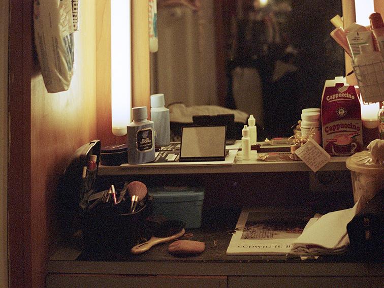 04_the golden brush and the black hairbrush  Kopie.jpg