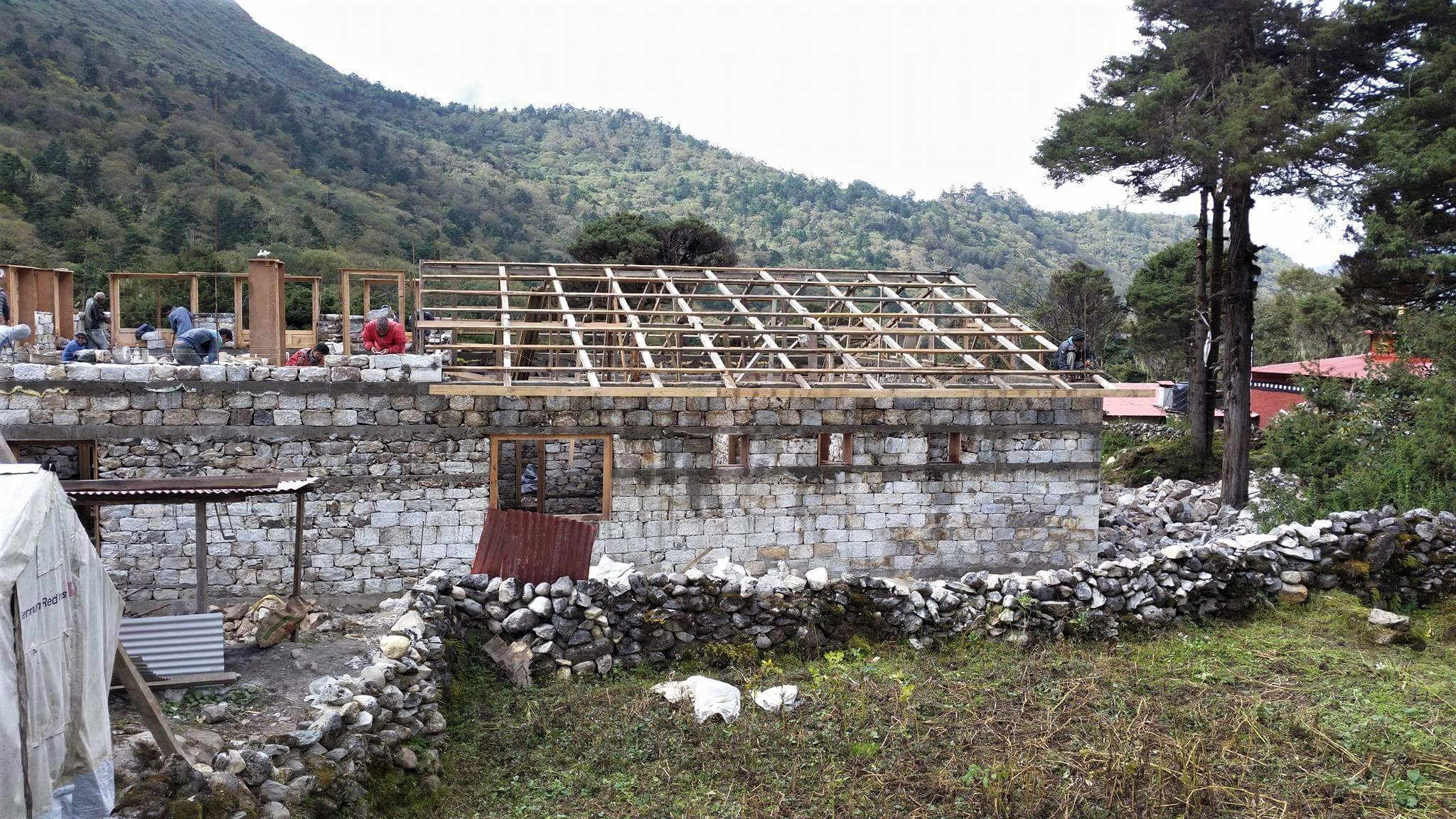 Oct 1 walls nearing roof line.jpg