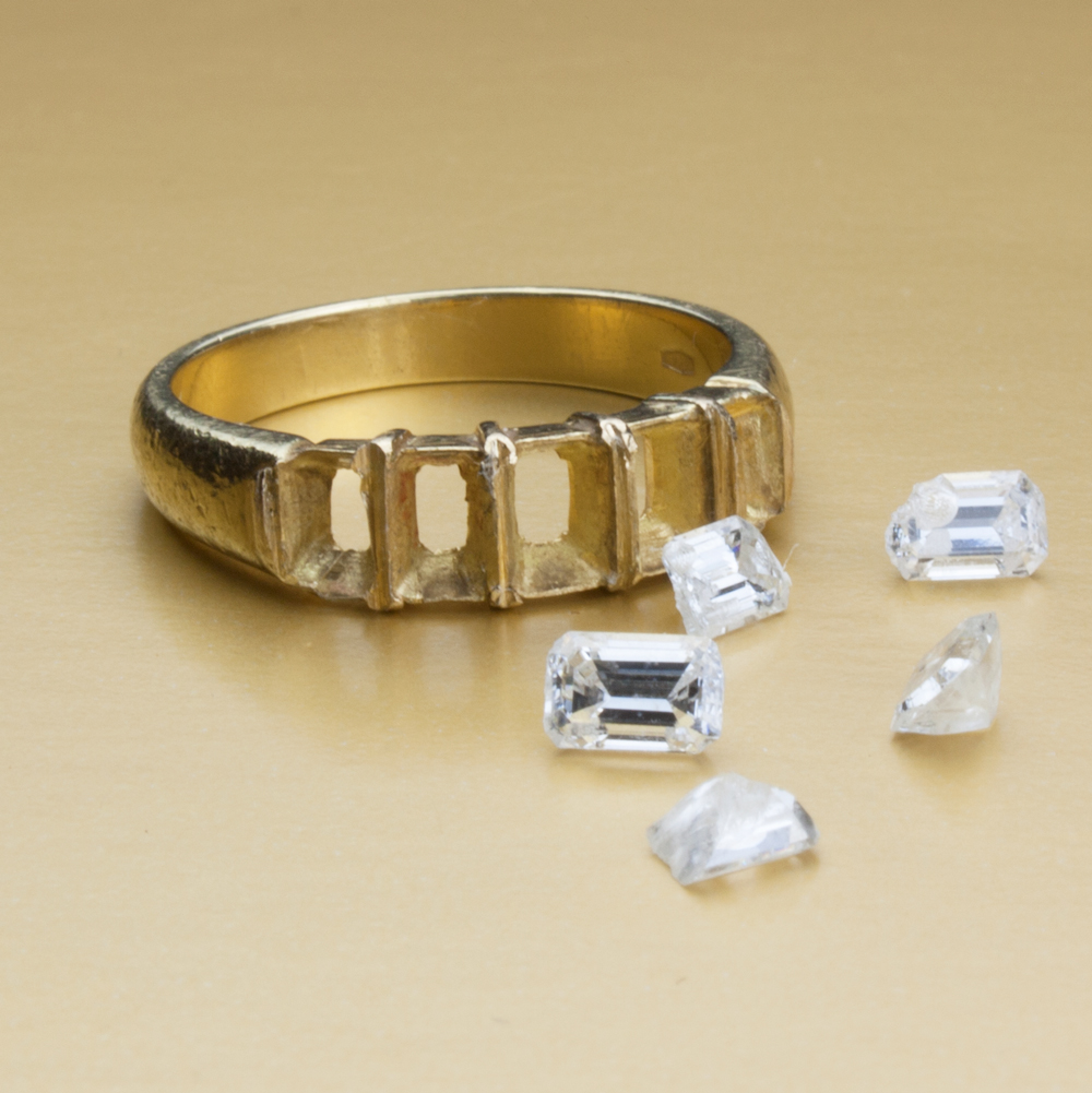 Unset-stones working with these chipped diamonds.jpg