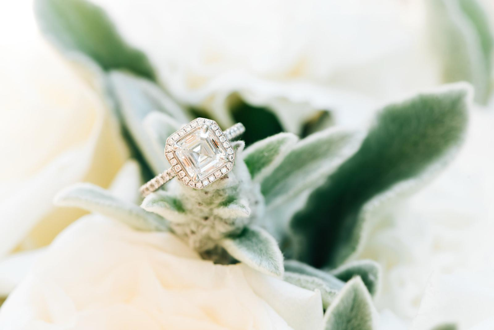 Bridal Jewellery - Please enjoy our gallery of beautiful custom-designed diamond jewellery we have created in collaboration with our clients. Please get in touch for more information or if you would like to make a special piece for yourself or a loved one.