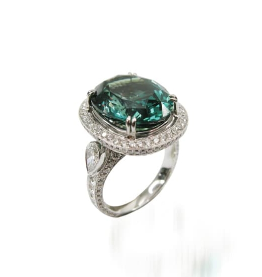 ALEXANDRITE AND DIAMOND RING BESPOKE FINE JEWELLERY BY SHAHINA HATTA