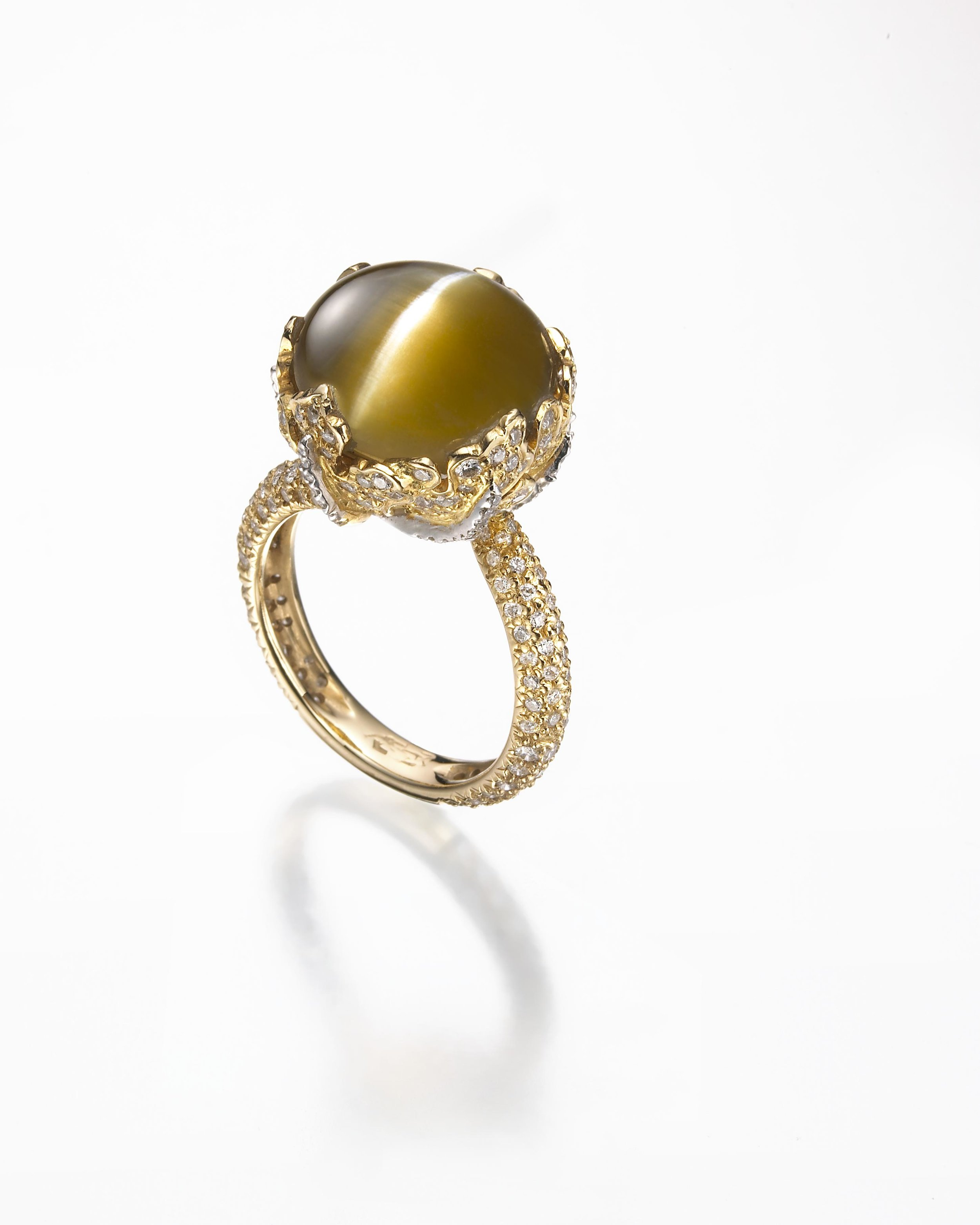 CAT'S EYE AND DIAMOND RING