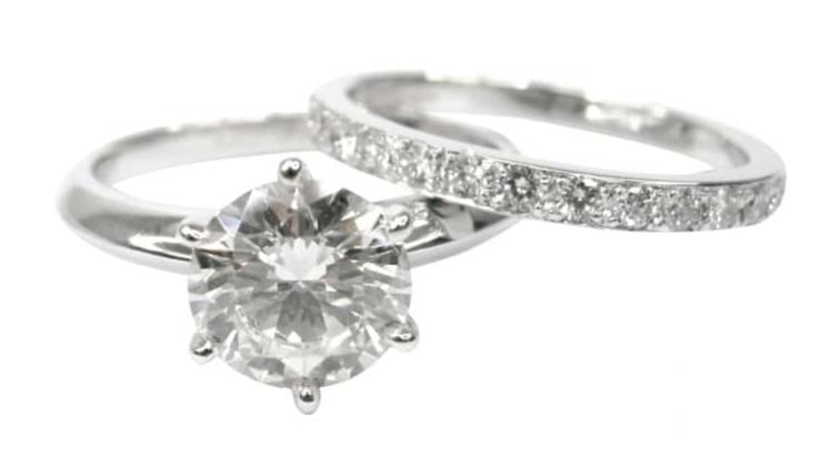 SIX CLAW SOLITAIRE DIAMOND RING WITH MATCHING DIAMOND ETERNITY BAND BESPOKE FINE JEWELLERY BY SHAHINA HATTA