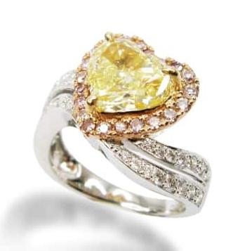 FANCY YELLOW HEART SHAPE DIAMOND RING WITH PINK DIAMOND HALO BESPOKE FINE JEWELLERY BY SHAHINA HATTA