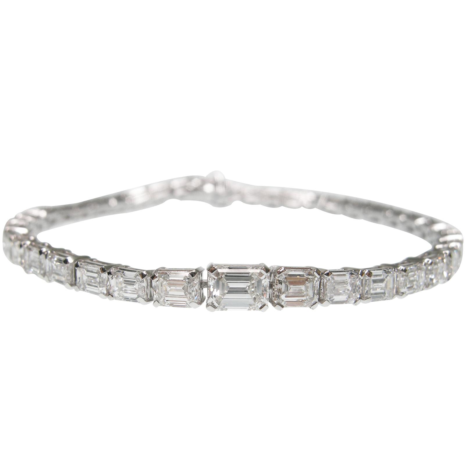 GRADUATED EMERALD CUT DIAMOND TENNIS BRACELET CLUSTER DIAMOND PENDANT BESPOKE FINE JEWELLERY BY SHAHINA HATTA