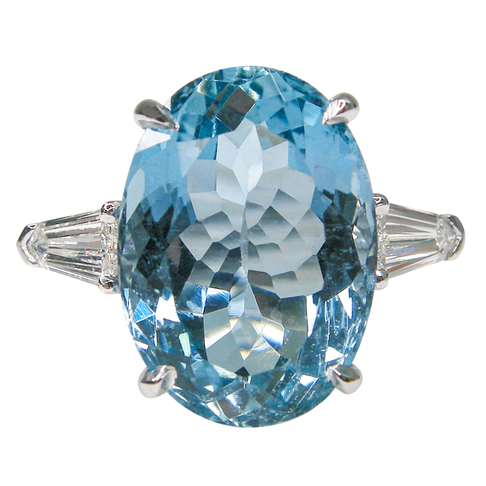 AQUAMARINE THREE STONE RING BESPOKE FINE JEWELLERY BY SHAHINA HATTA HONG KONG