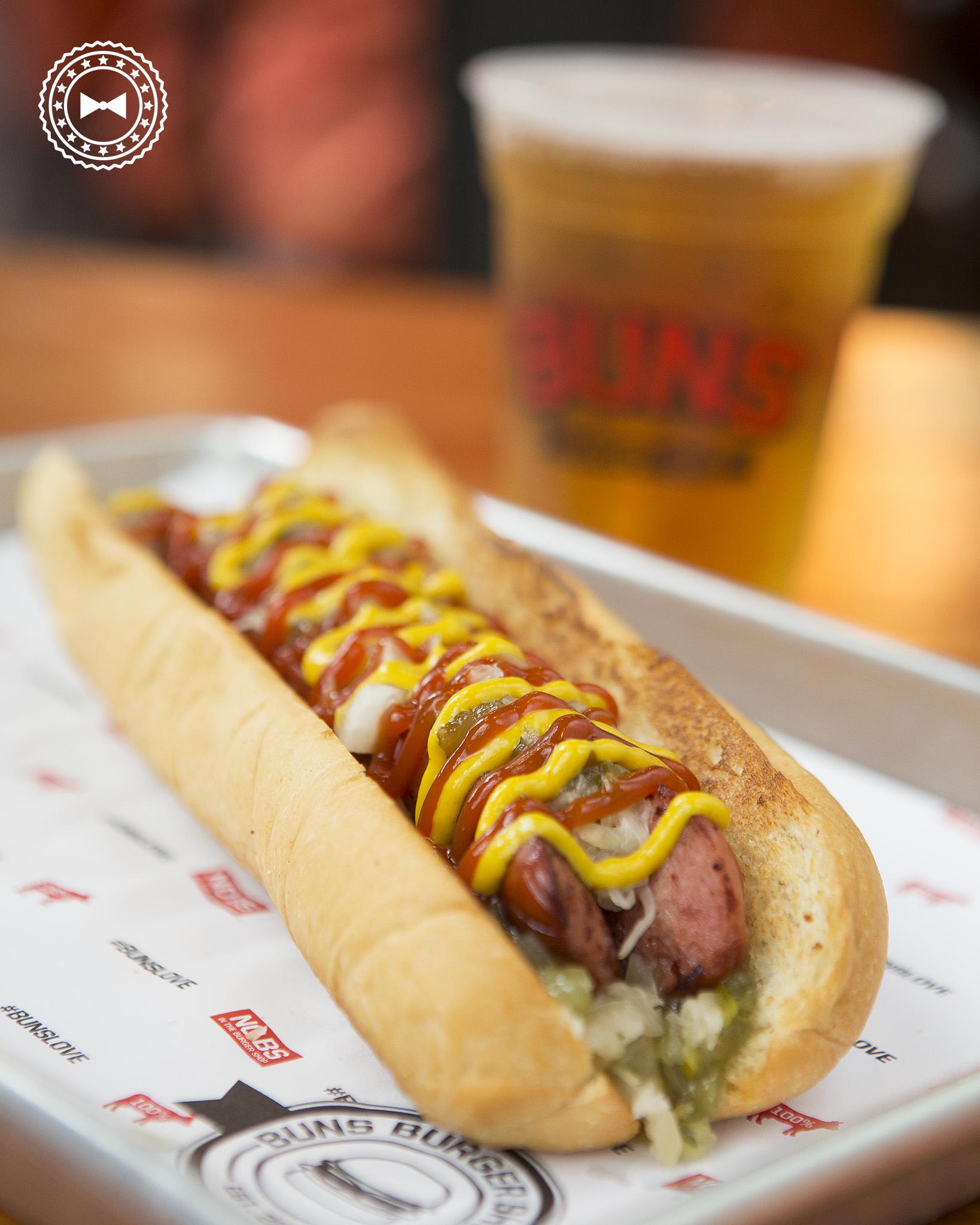 Hot dog con cebolla, sauerkraut, relish, mostaza y ketchup  • #BUNSLove