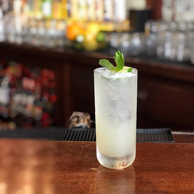 ***TWO 4 TUESDAY*** Second cocktail of the week is the  CITY HALL FIZZ Includes our brand new @hardshoredistilling gin, lemon, muddled cucumber, St. Germain, simple syrup  Cocktail Credits go to @martiiparty . . . . . . . . . #lovemax #maxwellstribeca #hardshoredistilling #hardshoregin #summerdrinks #newcocktails #specialtycocktails