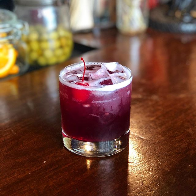 Our fourth and final specialty cocktail we are show casing is... THE GRADUATE SOUR . Makers mark, lemon, simple syrup, topped with a dash of Malbec and a cherry garnish . . The drink is evocative of sangria whisky vibes~~~ Cocktail Credits go to Martyna  ALSO NEWS FLASH: . Women's World Cup tomorrow USA vs. England @3PM . Come show you support! . . . . . . . . . #summerdrinks #summercocktails #makersmark #cocktailcherries #worldcup #womensworldcup #teamusa #usawomenssoccer