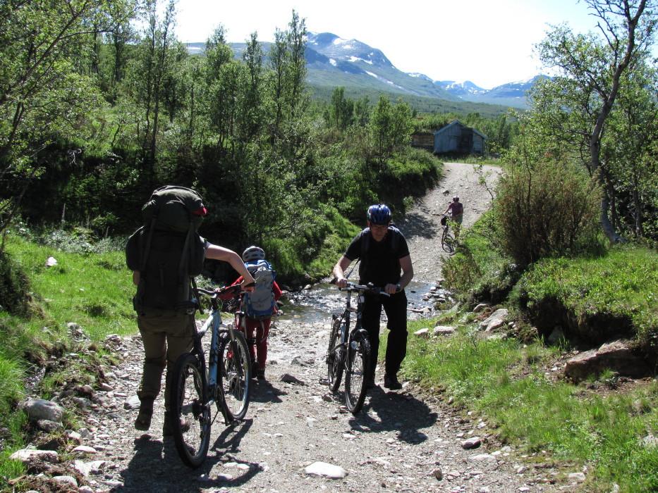 Sykkeltur med telt og barn noen råd og tips — SIRASVERDEN.NO