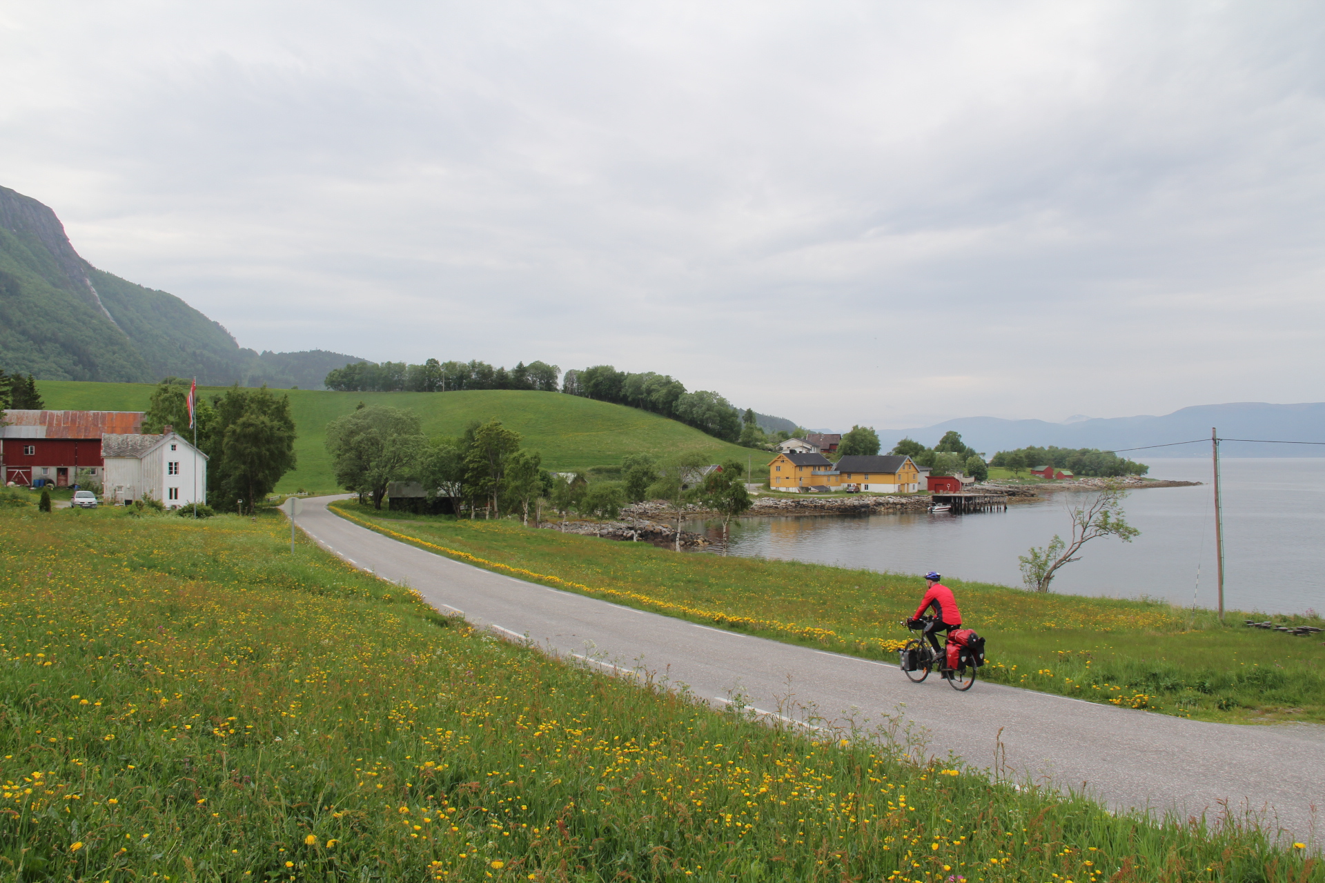 På veien langs Snillfjorden dag 2.