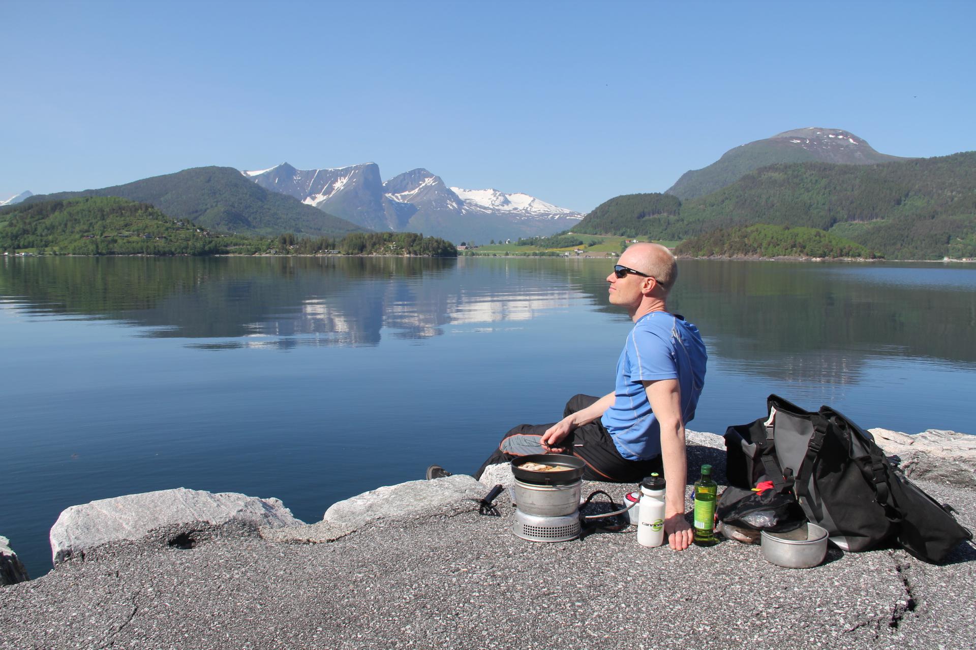 En pust i bakken på vei fra Molde til Åndalsnes.