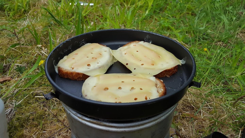 Ostesmørbrød er favoritten til frokost.