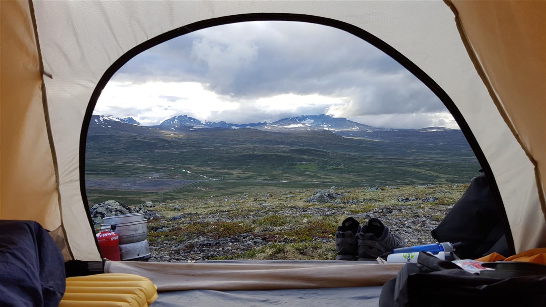Slik liker jeg at det ser ut når jeg camper i det fri på sykkeltur. Utsikt mot Snøhetta.