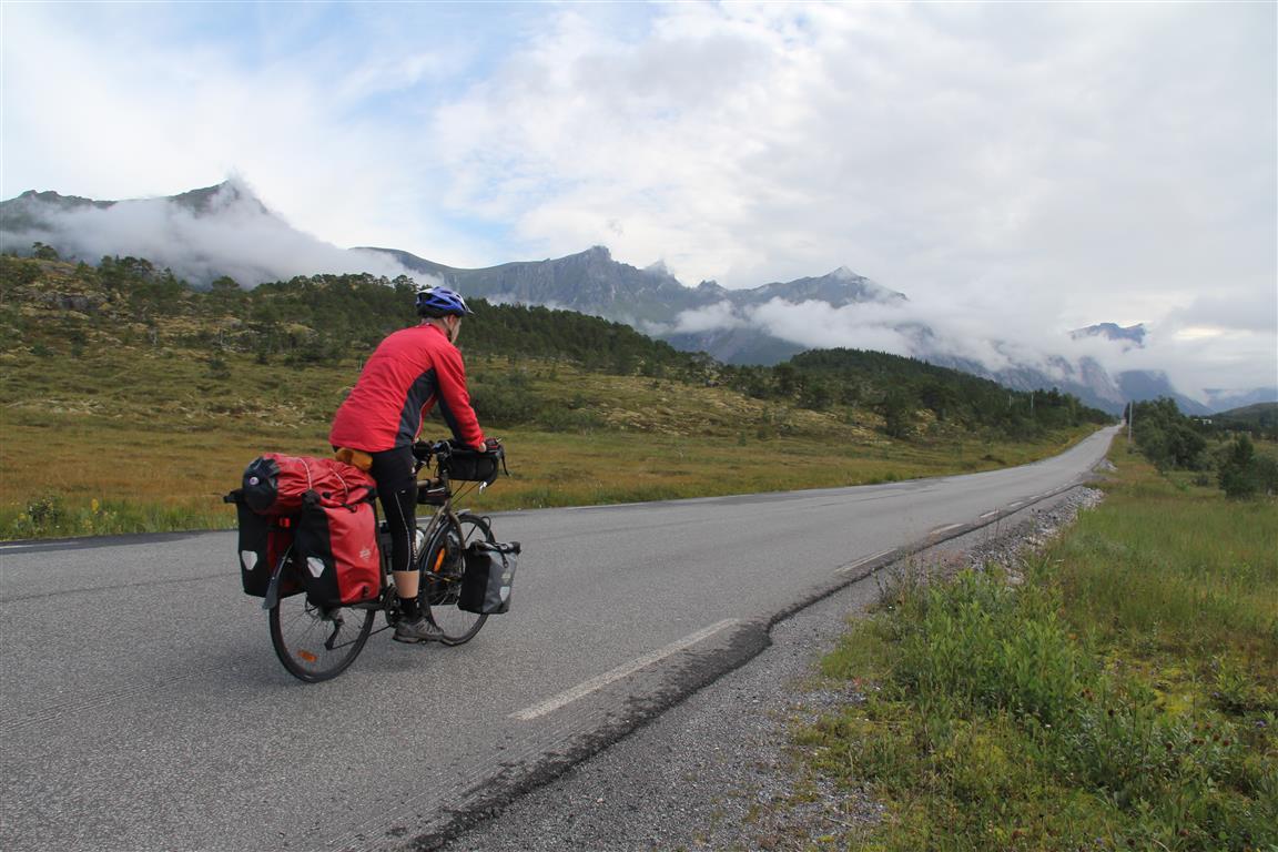 Sykkelvesker er absolutt å foretrekke framfor ryggsekk på en lengre sykkeltur.