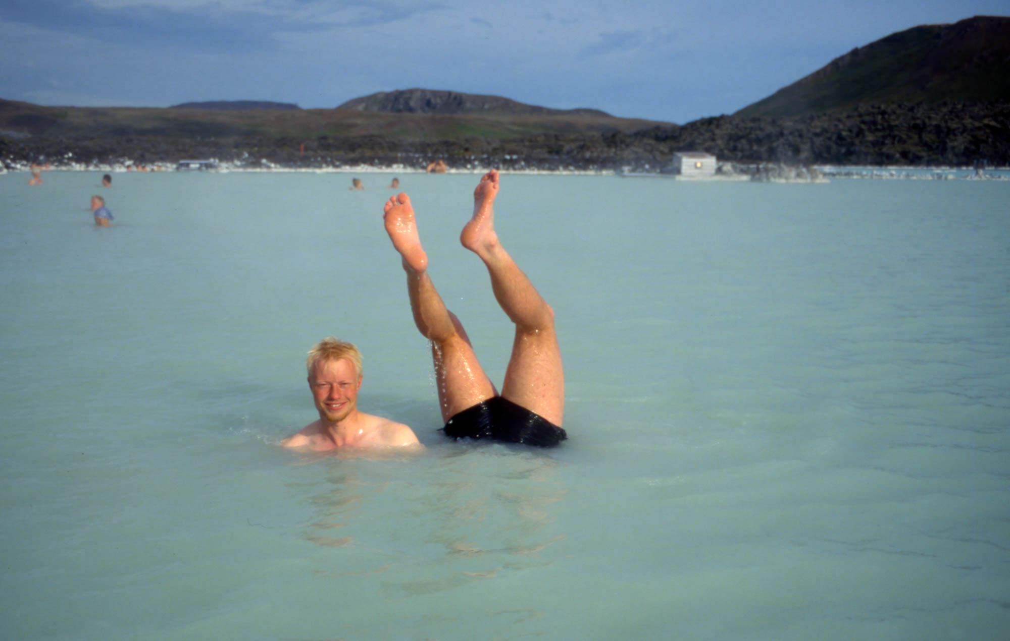 Bading i varme kilder hører med på en tur på Island.