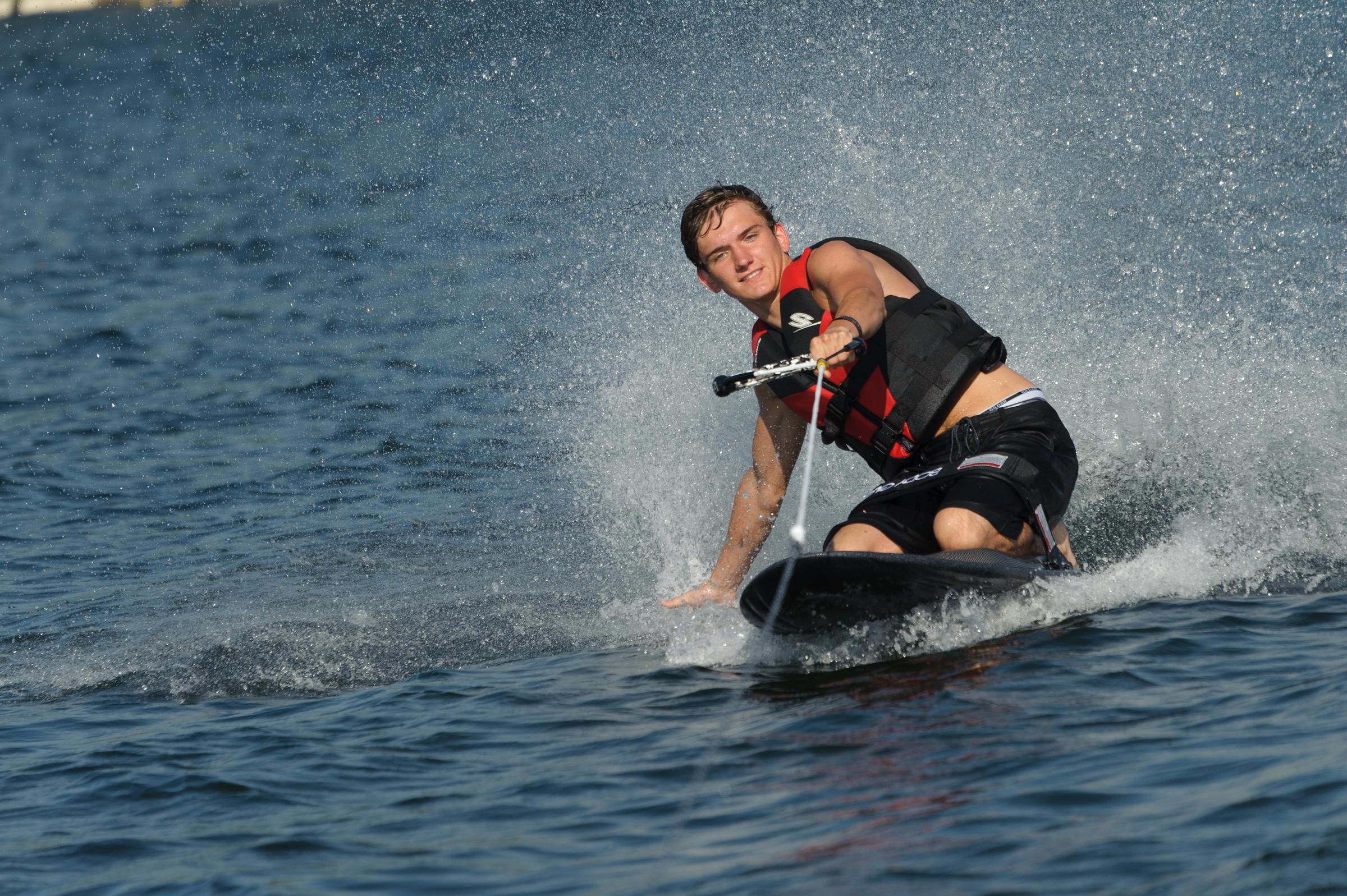 DSC4-0165. knee boarding boy.jpg