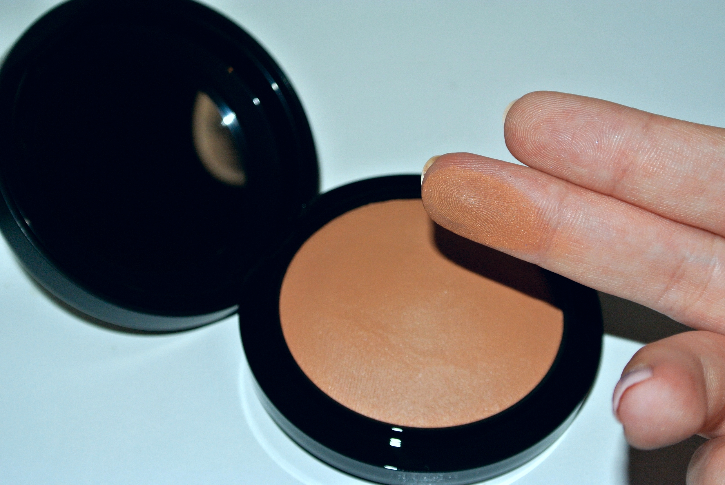 MAC Mineralize Skinfinish Natural in  Give Me Sun!