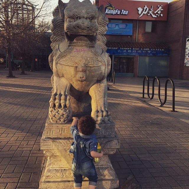Kids enjoying China Town in Chicago, Illinois