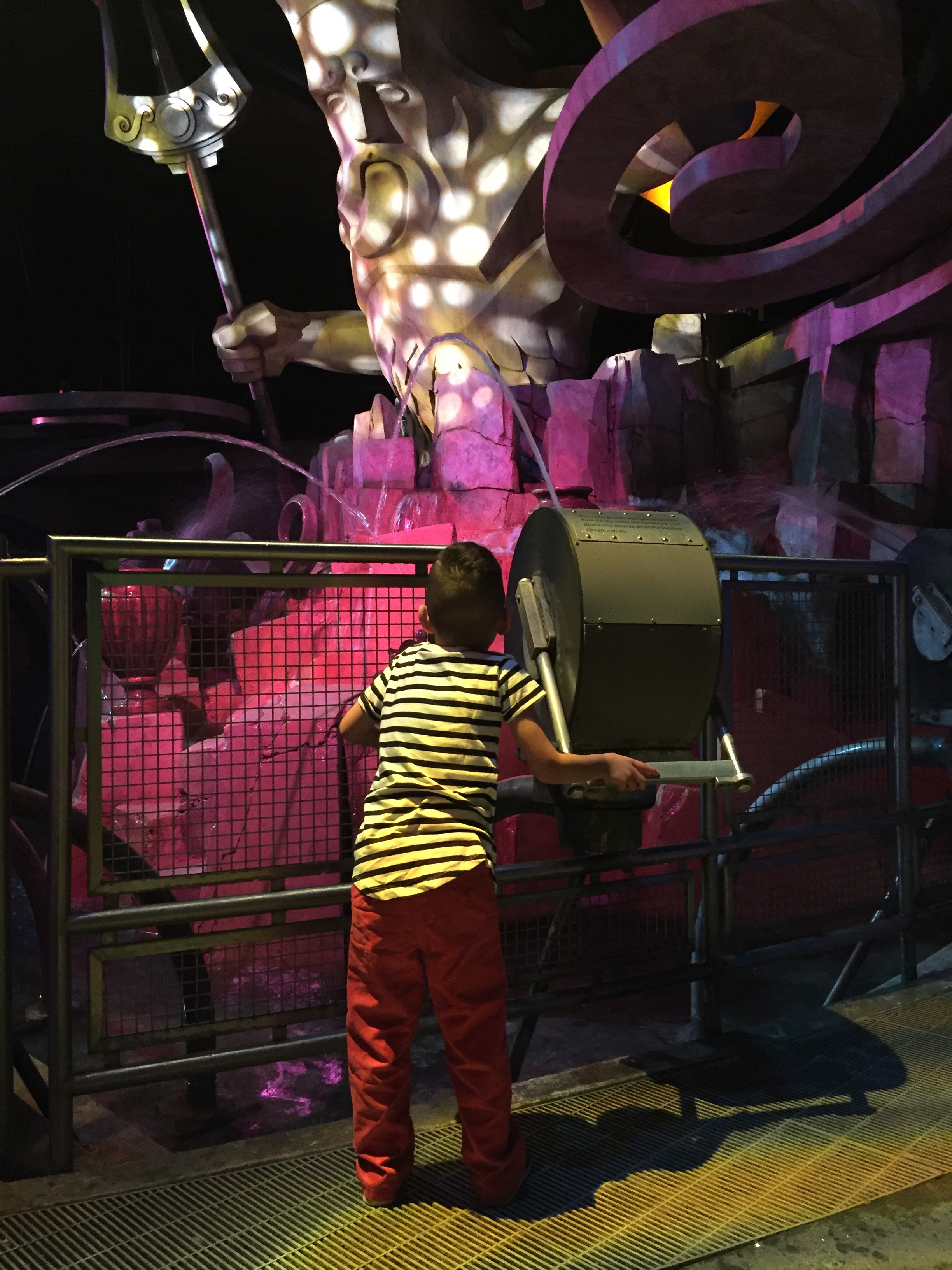 Sunday funday at  COSI  . It's great to have fun indoors when it's so unexpectedly chilly!