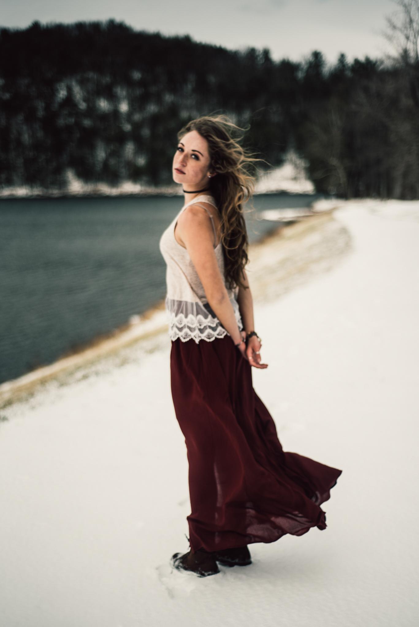Moody Snowy Portrait Session at Lake Arrowhead in Luray Virginia_21.JPG
